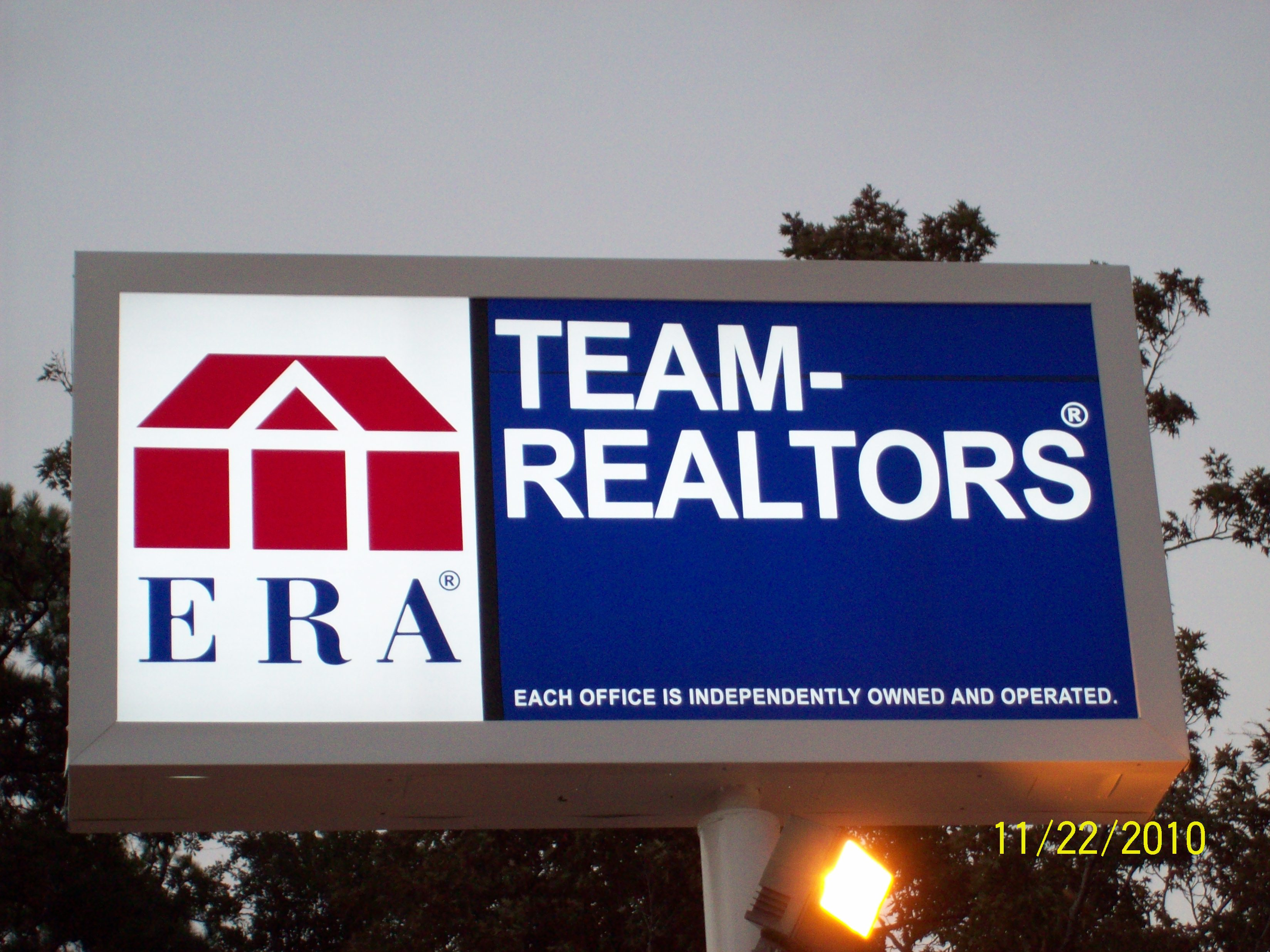 ERA Team Realtors - Pole Sign
